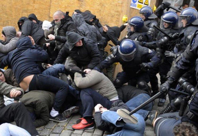 Policijos ir protestuotojų susidūrimas Zagrebe