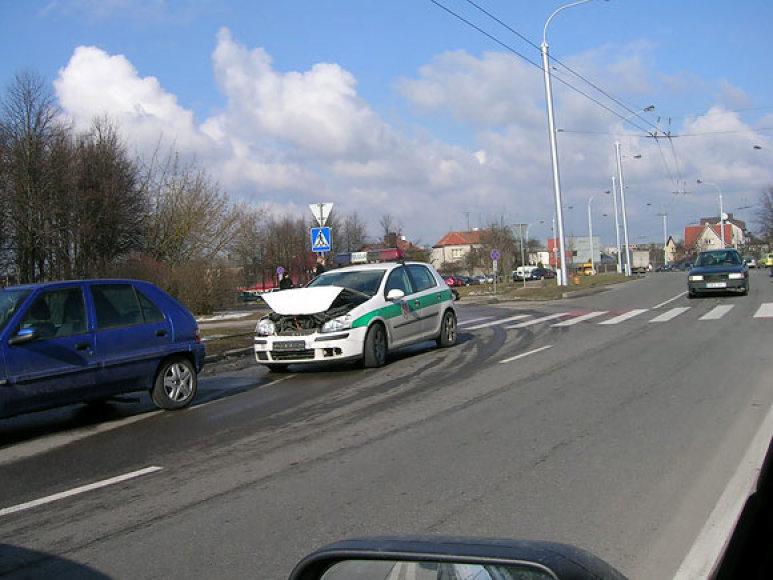 Kaune sudaužytas policijos automobilis
