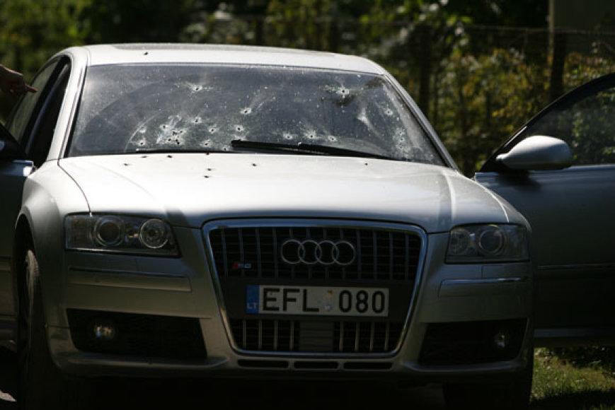 Kulkomis suvarpytas automobilis