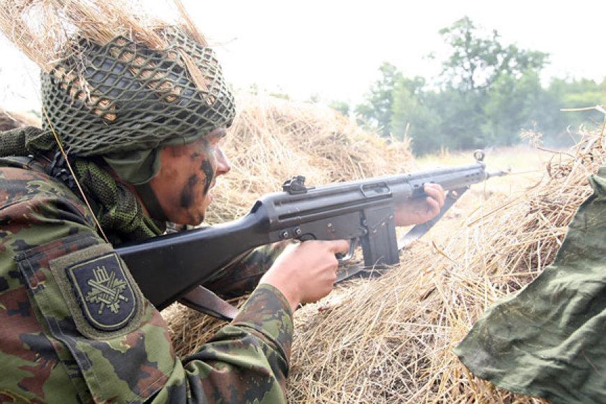 Karys šaudymo pratybose