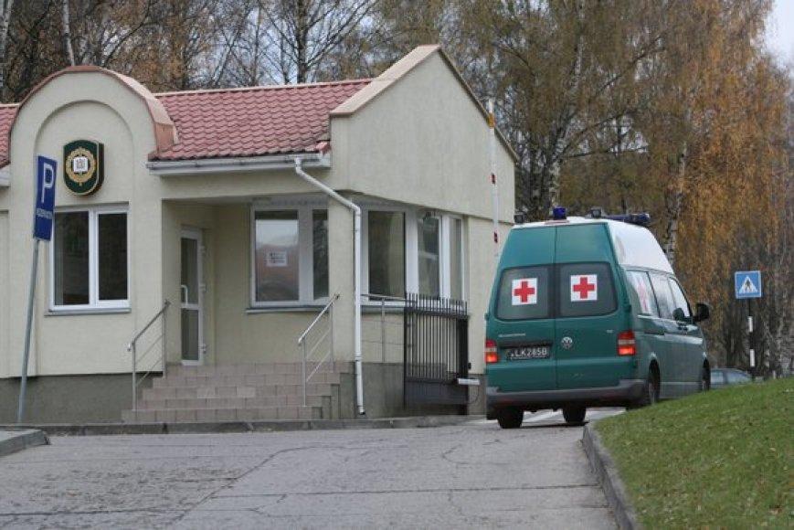 Karo medikai vyksta į karo akademiją