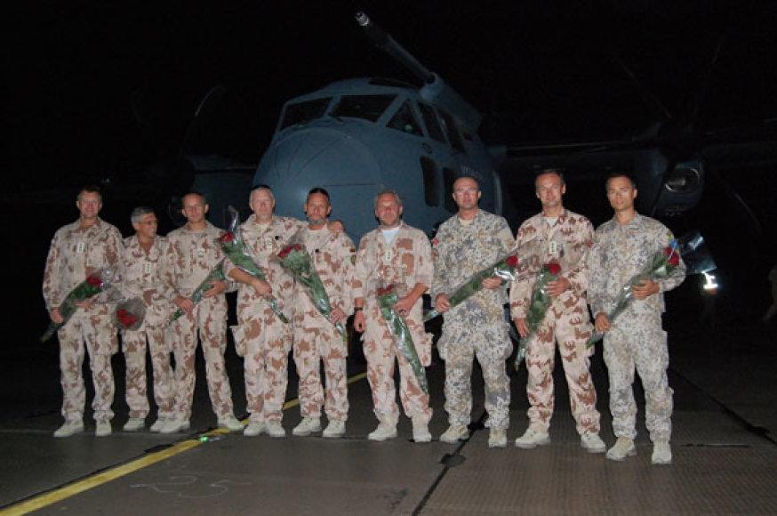 Namo grįžusi Oro pajėgų patarėjų grupė