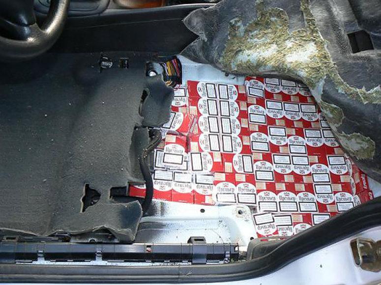 Druskininkiečio automobilyje aptiktos kontrabandinės cigaretės