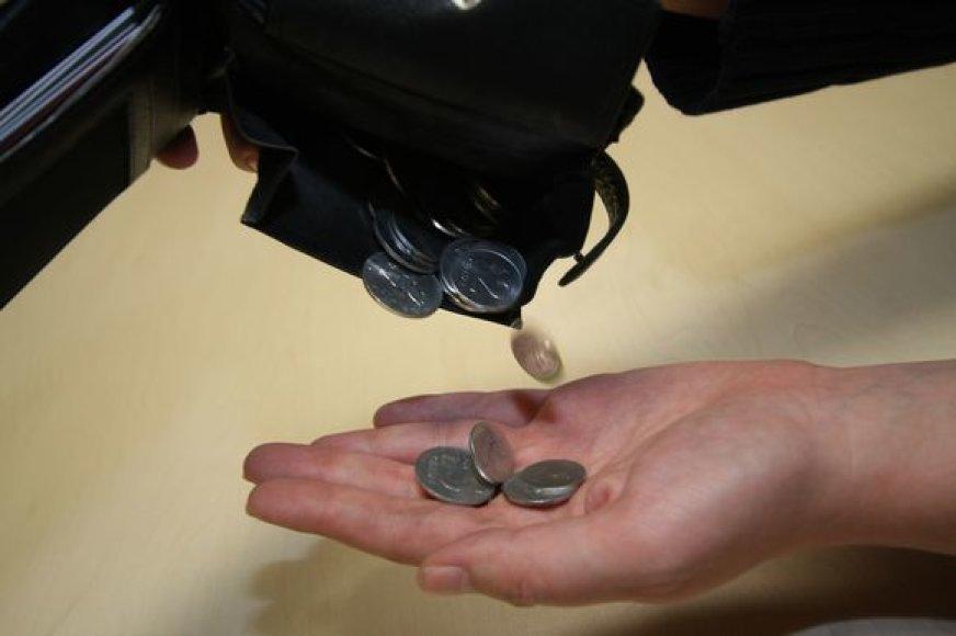 Pardavėjai privalo priimti baltus centus.