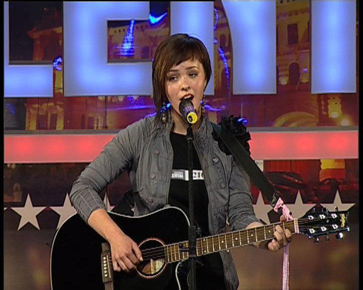"""Specialiai TV3 projektui """"Lietuvos talentams"""" subūrusi muzikuojančius draugus, ukmergiškė Raminta – Bjelle, sukūrė ir grupę """"Bjelle ir PERU""""."""