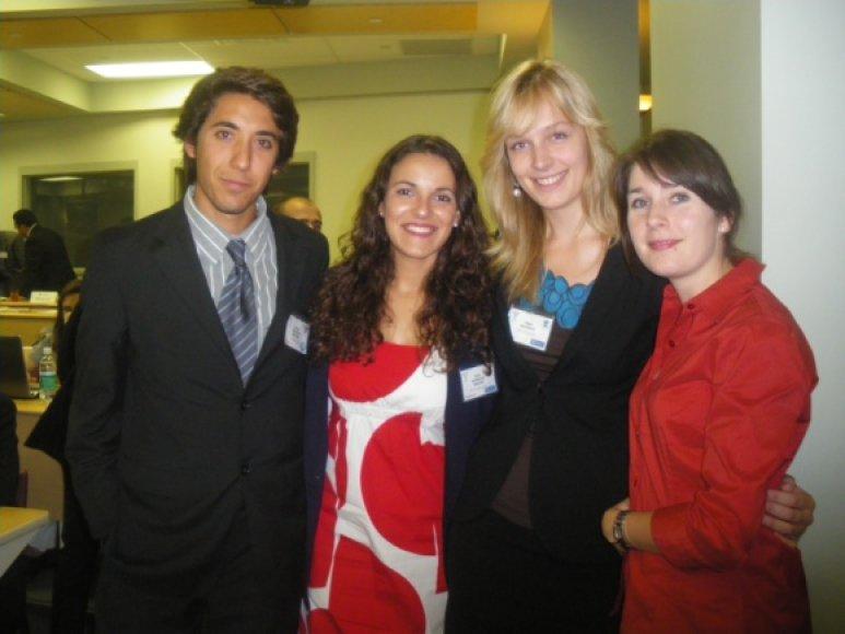 Mykolo Romerio absolventės dalyvavo Europarlamentinėje simuliacijoje SPECQUE 2010.