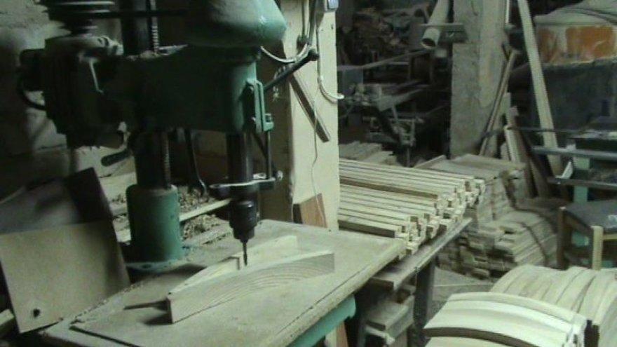 Tauragės rajone aptiktas nelegalus baldų fabrikėlis.