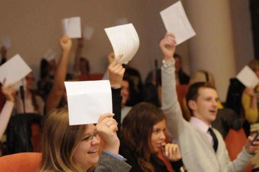 Darbdaviai ateina į Mykolo Romerio universitetą.