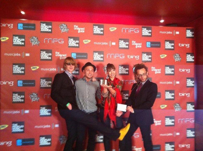 """Pasauliniuose """"The People's Music Awards"""" apdovanojimuose – lietuvių grupės """"BrassBastardz"""" triumfas."""