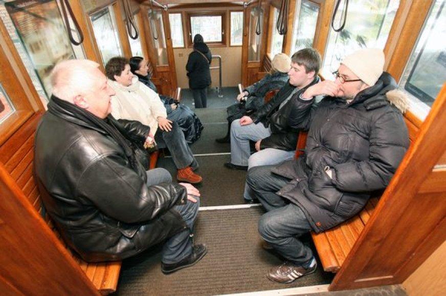Žaliakalnio funikulieriaus bilietai nebrangsta jau daugiau kaip 16 metų.