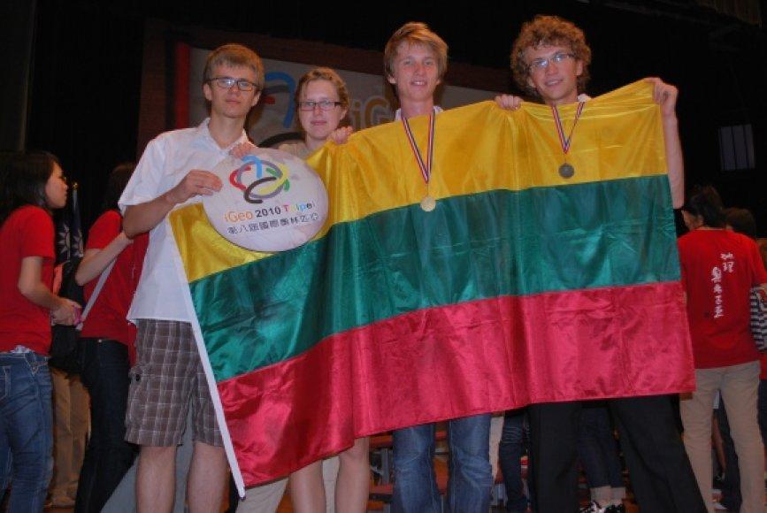 Mūsų šalies mokiniai parsivežė aukščiausius apdovanojimus ir iš pasaulinės geografijos olimpiados.