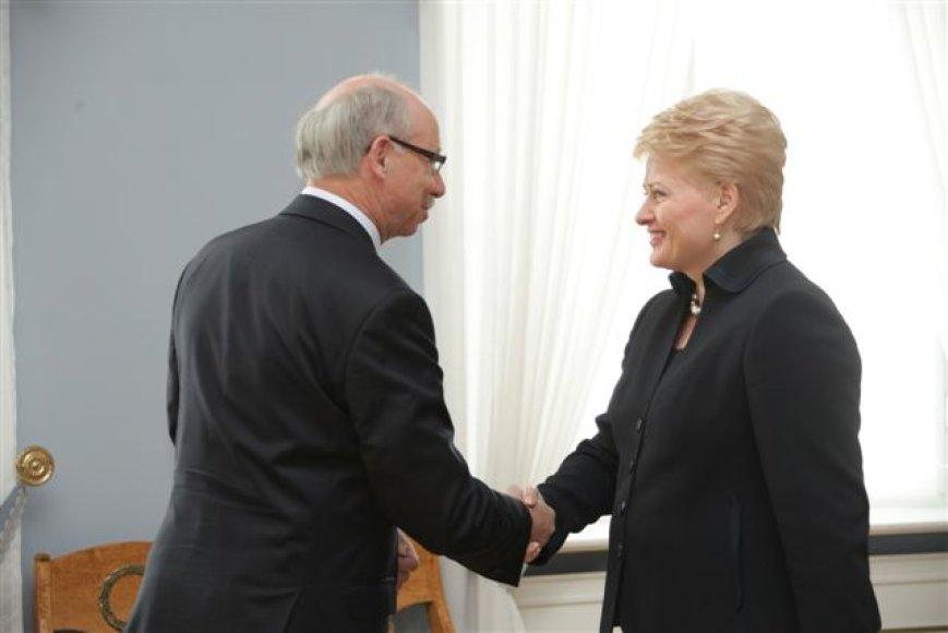 Prezidentė Dalia Grybauskaitė susitiko su Lietuvoje viešinčiu Europos Komisijos nariu, atsakingu už ES biudžetą ir finansinį planavimą Januszu Lewandowskiu.