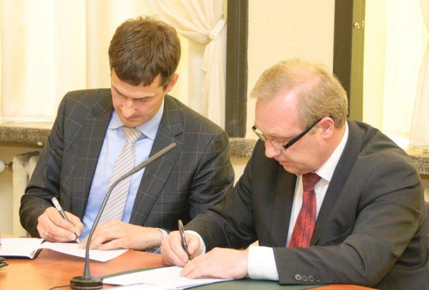 Nanotechnologijų tyrimams kelią atveria sutartis tarp KTU ir Lietuvos tyrimų centro.