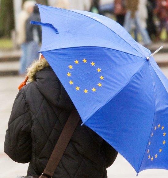 Skėtis su ES simbolika