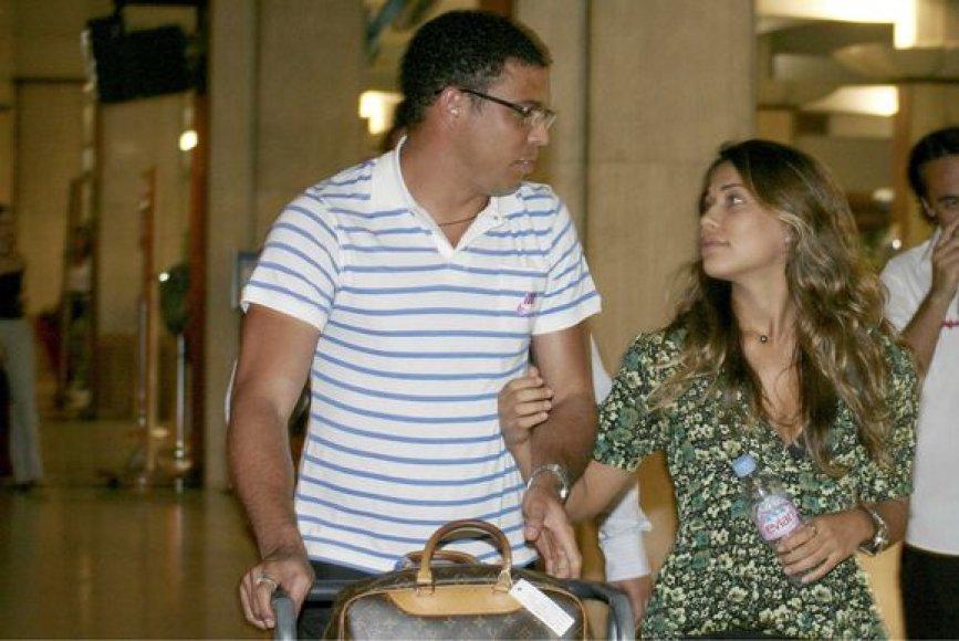 Futbolininkas Ronaldo su sužadėtine Maria Beatriz Antony