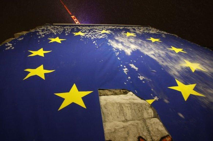 Išniekinta ES vėliava