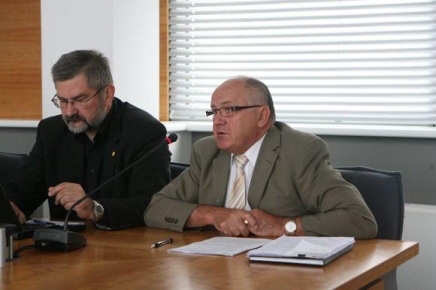 """LiCS pirmininkas G.Babravičius užsiminė, kad S.Šriūbėno (d.) išlikimą vicemero poste spręs ne LiCS frakcija savivaldybėje, o """"aukštesnė partinė institucija""""."""
