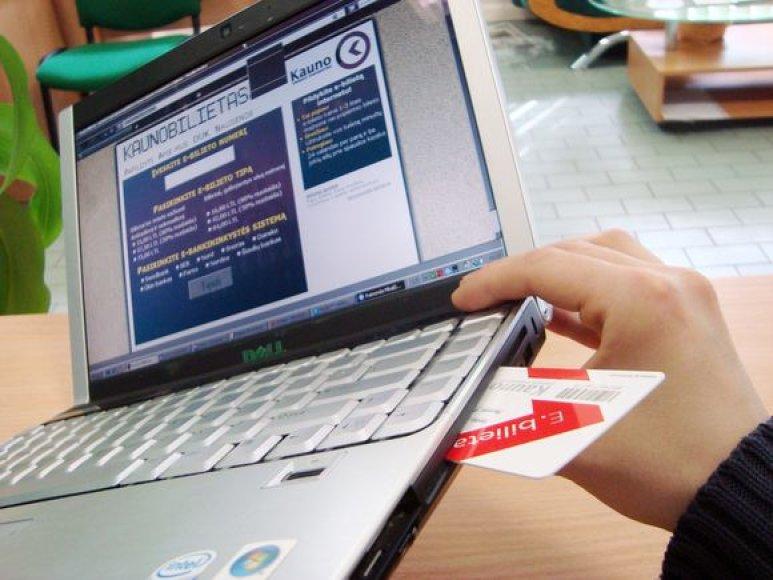 Tikimasi, jog atsiradus galimybei mėnesinį elektroninį bilietą papildyti internetu, šio tipo bilietų populiarumas išaugs dar labiau.