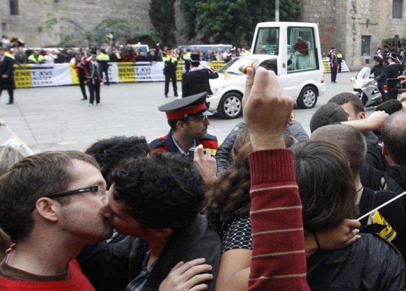 Gėjų protesto akcija Barselonoje.