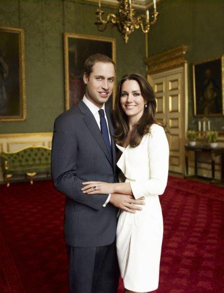 Oficiali sužadėtuvių fotografija: Princas Williamas ir Kate Middleton
