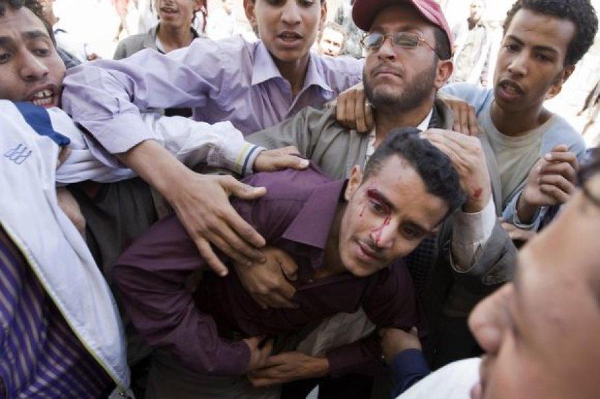 Sužeistas protestuotojas Jemene