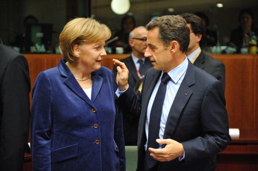 N.Sarkozy sveikina A.Merkel už pasiryžimą mažinti mokesčius.