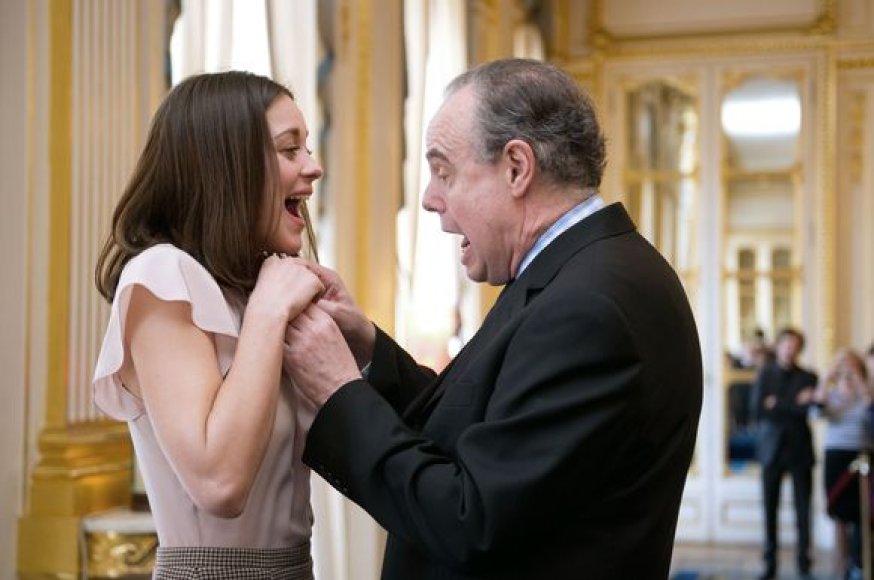 Aktorė Marion Cotillard ir Prancūzijos kultūros ministras Fredericas Mitterrandas