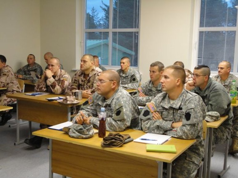 Lietuvoje bendrą pasirengimą misijai Afganistane pradėjo Lietuvos ir JAV kariai.