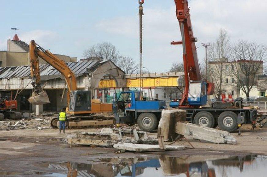 Senoji autobusų stotis bus nugriauta per porą savaičių.