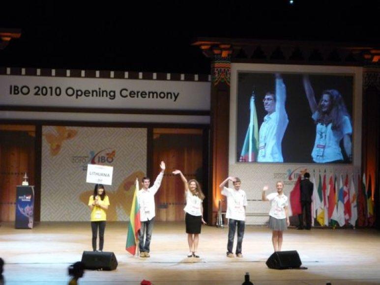 Tarptautinėje biologijos olimpiadoje trečius metus iš eilės visi Lietuvos mokiniai pelnė apdovanojimus.