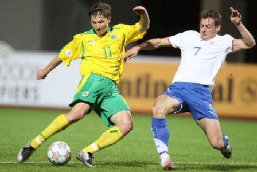Saulius Mikoliūnas Lietuvos rinktinės sudėtyje žaidžiant prieš Farerų salų rinktinę