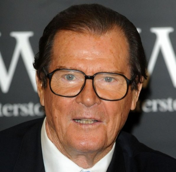 Aktorius Rogeris Moore'as