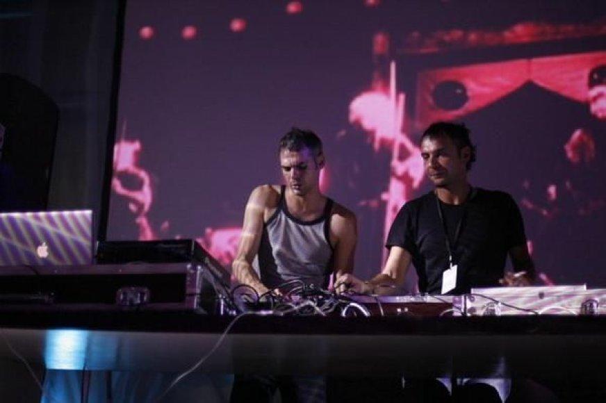 """Elektronikos duetas """"Monkey Brothers"""""""