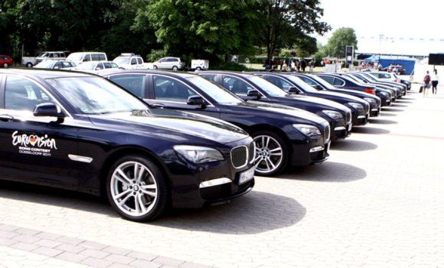 BMW automobilių kolona Diuseldorfe