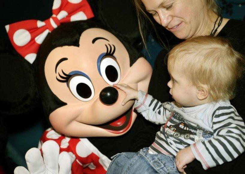 Walto Disney'aus kompanija remia vaikų ligonines