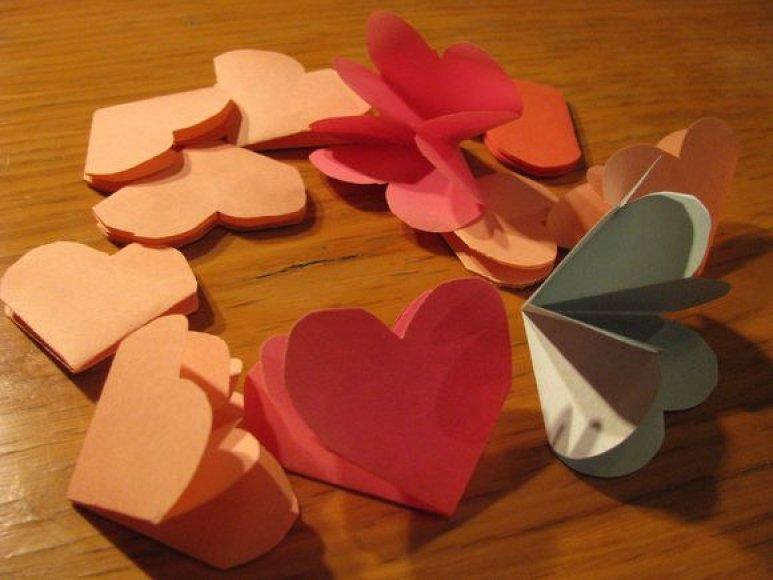 Popierinių širdelių lankstymas