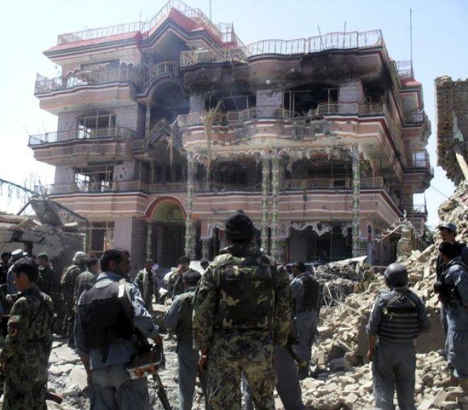 Afganistane – ataka prieš JAV humanitarinės pagalbos organizacijos biurą.