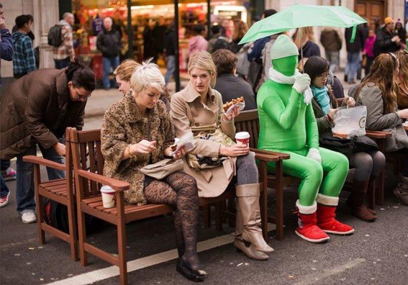 Kalėdinis personažas Londono gatvėje