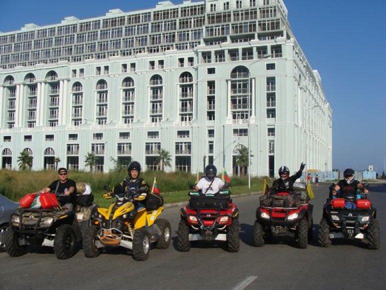 xteam.lt komanda Gruzijoje 2009 m.