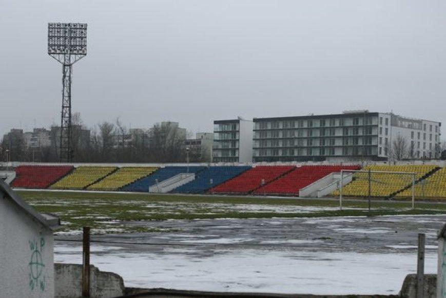 """Apverktinos būklės """"Žalgirio"""" stadionas turės atlaikyti daugiatūkstantinę Dainų šventės Šokių dienos dalyvių minią."""