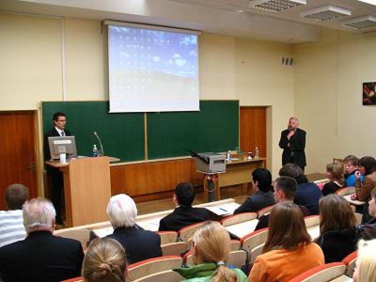 """Mokslinė-praktinė diskusija """"Europos Sąjunga ir Lietuva : veiklos efektyvumas ir institucijų sąveika""""."""