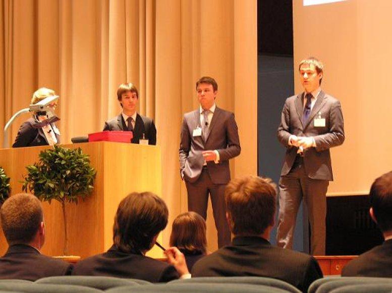 Prestižiniame Europos verslo universitetų finansų analizės turnyre Helsinkyje nugalėjo lietuvių studentų komanda.