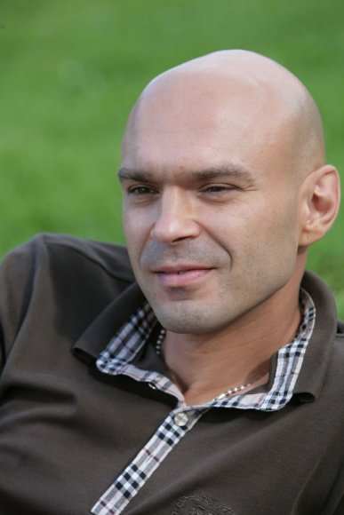 E. Končius