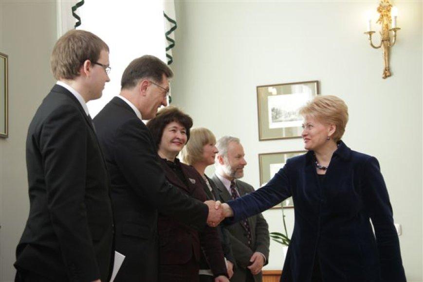 Prezidentė Dalia Grybauskaitė su Seimo frakcijų vadovais aptarė svarbiausius Seimo pavasario sesijos darbus ir politinę situaciją šalyje.