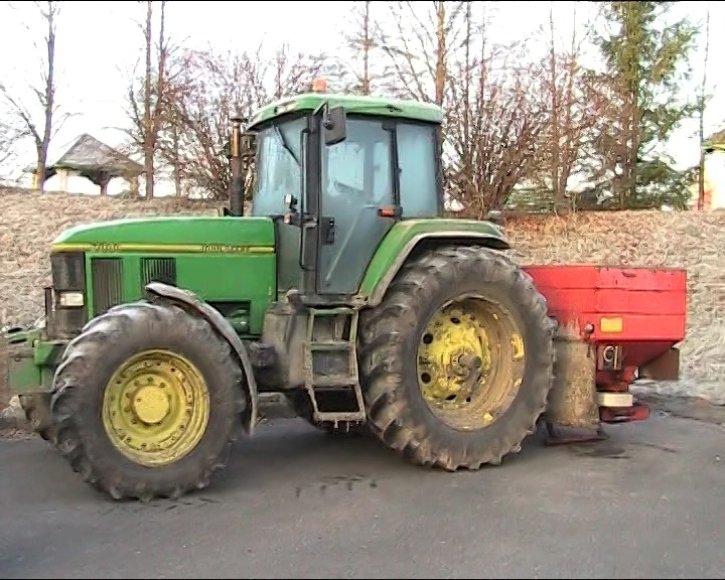 Surengę pasalą Šiaulių pasieniečiai atskleidė traktorių vagystę.