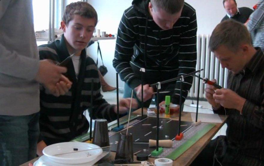 """Studentai sprendė verslo problemas renginyje """"BEST Sprendimai""""."""