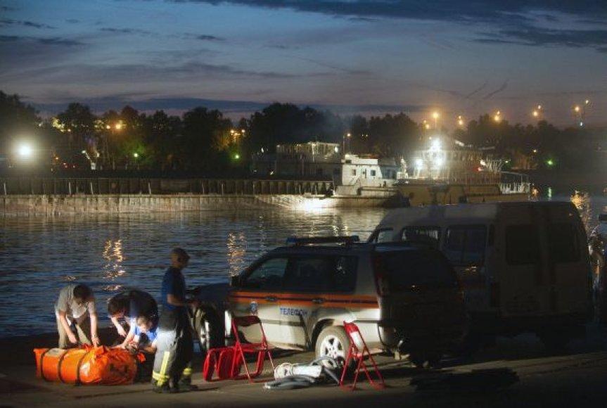 Maskvos upėje nuskendo pramoginis kateris
