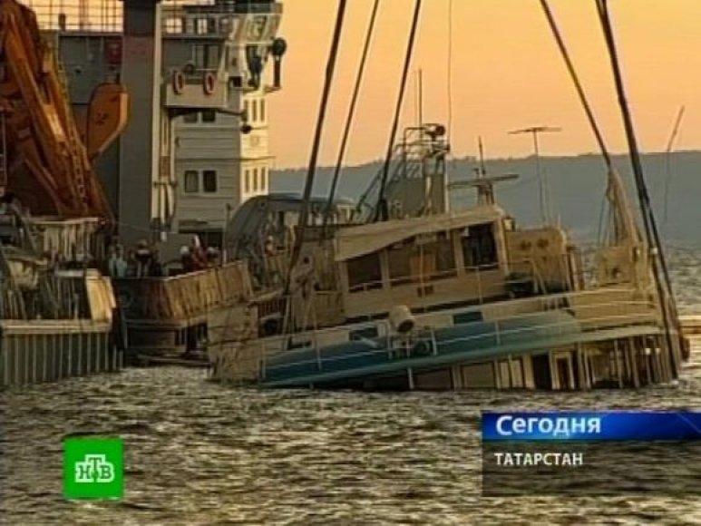 """Garlavis """"Bulgarija"""" gabeno dvigubai daugiau keleivių, nei leistina."""