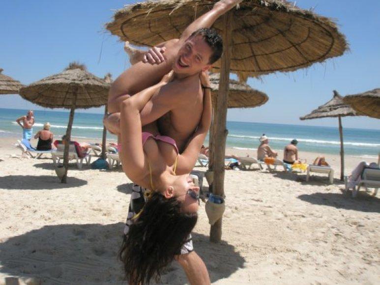 Justinas ir Wiola Tuniso paplūdimyje
