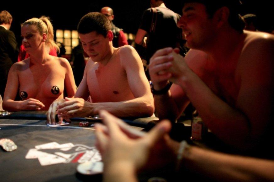 Vokietijos nacionalinio pokerio iš nusirenginėjimo čempionato akimirkos